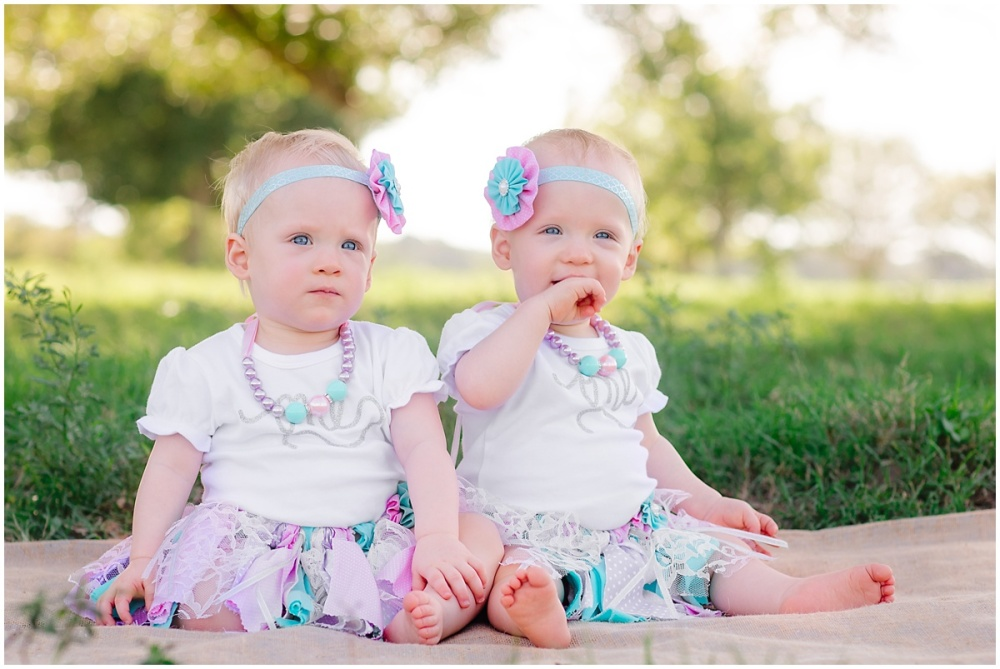 Family-Children-Portraits-Cake-Smash-Photos-San-Antonio-Hill-Country-Texas-Carly-Barton-Photography_0010.jpg