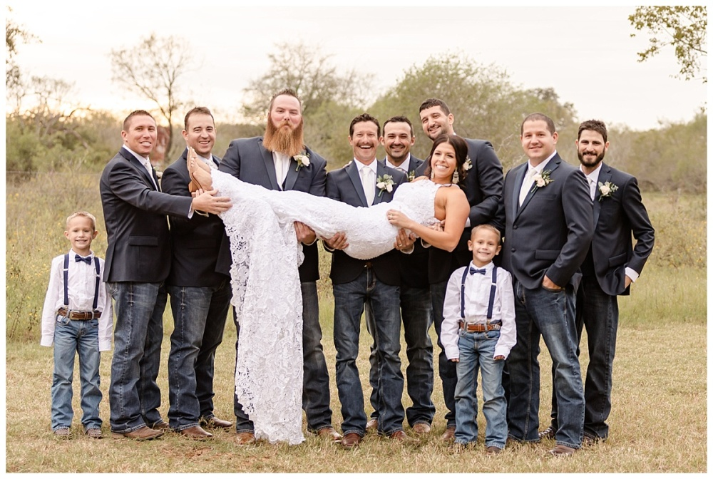 South-Texas-Wedding-Photographer-Rose-Gold-and-Navy-Theme-LaVernia-Bride-Groom-Carly-Barton-Photography_0062
