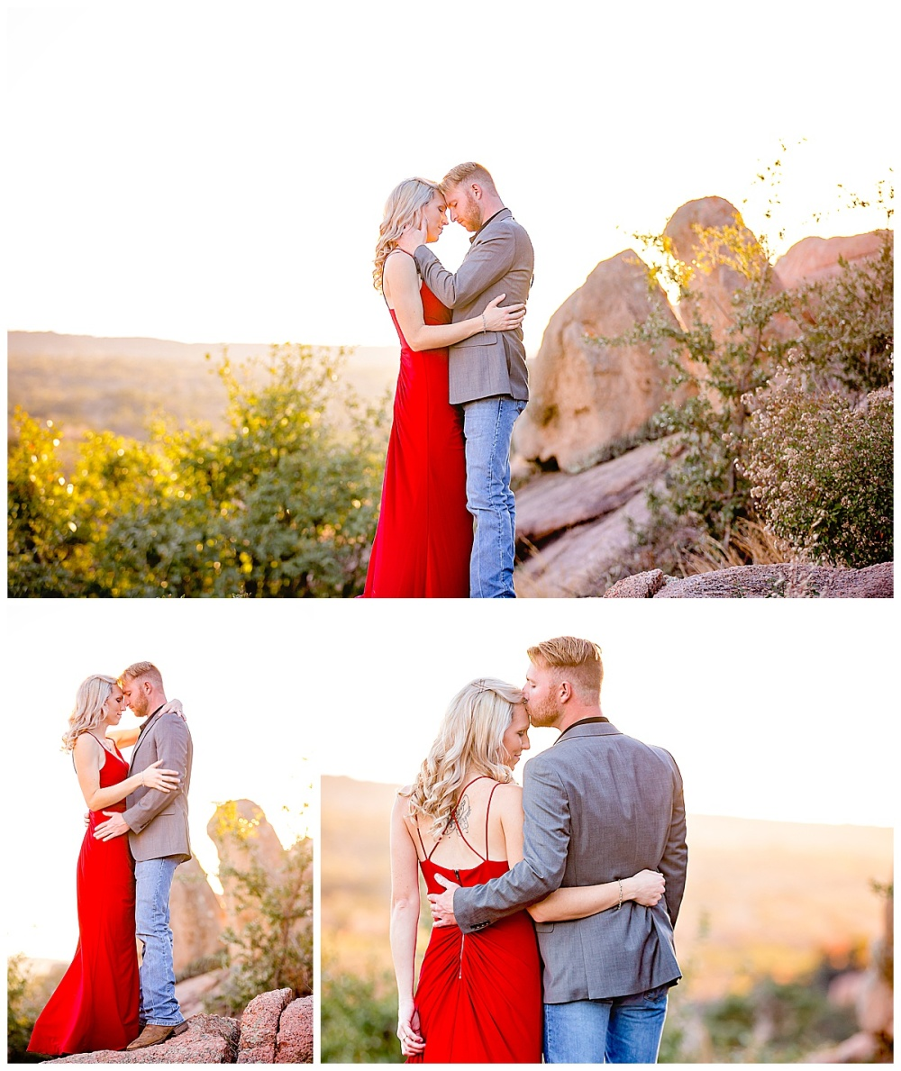 South-Texas-Wedding-Photographer-Engagement-Photos-Enchanted-Rock-Fredericksburg-Sunset-Couples-Carly-Barton-Photography_0002.jpg