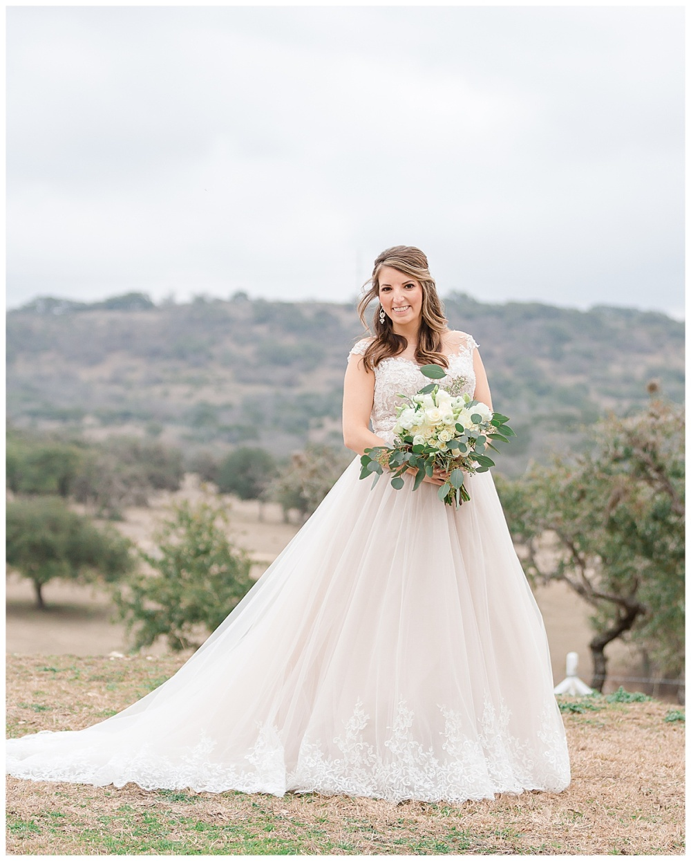 Wedding-Photographer-Texas-Hill-Country-Happy-H-Ranch-Comfor-Texas-Carly-Barton-Photography_0060.jpg