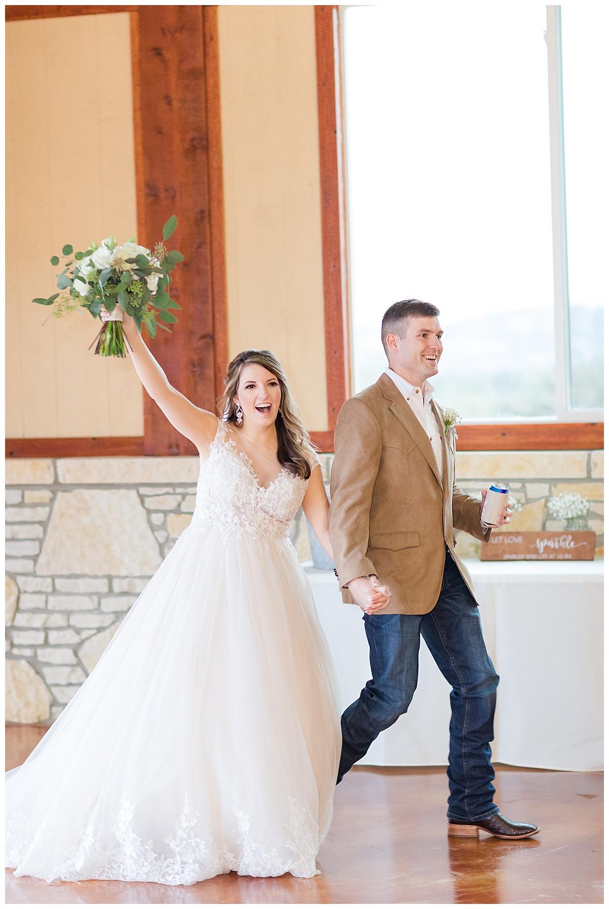 Wedding-Photographer-Texas-Hill-Country-Happy-H-Ranch-Comfor-Texas-Carly-Barton-Photography_0066.jpg