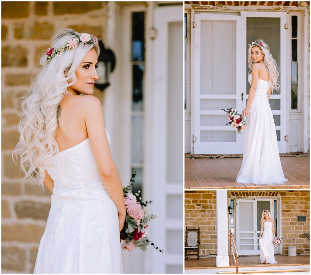 Bridal-Session-Whitehall-Polley-Mansion-LaVernia-Texas-Carly-Barton-Photography_0003.jpg