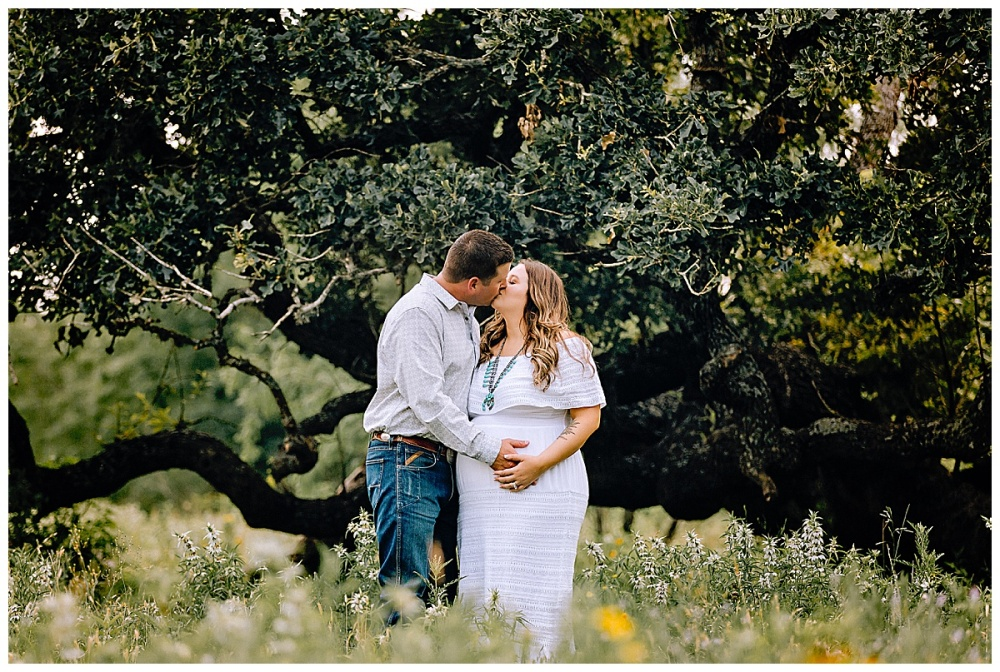 Rustic-Maternity-Session-Texas-Sunset-Carly-Barton-Photography_0076.jpg