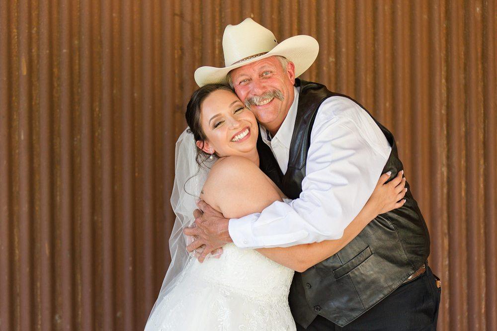 Wedding-Photographer-Bulverde-Texas-Western-Sky-Event-Venue-Carly-Barton-Photography_0009.jpg