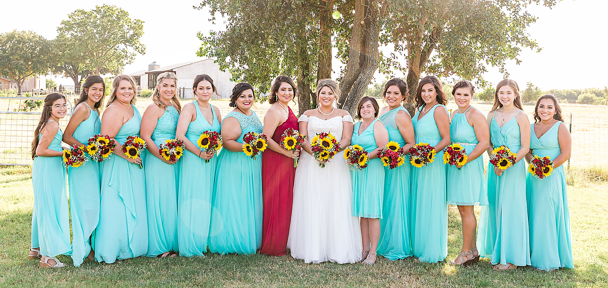 Wedding-Photographer-Rustic-Sunflower-theme-Texas-Carly-Barton-Photography_0115.jpg