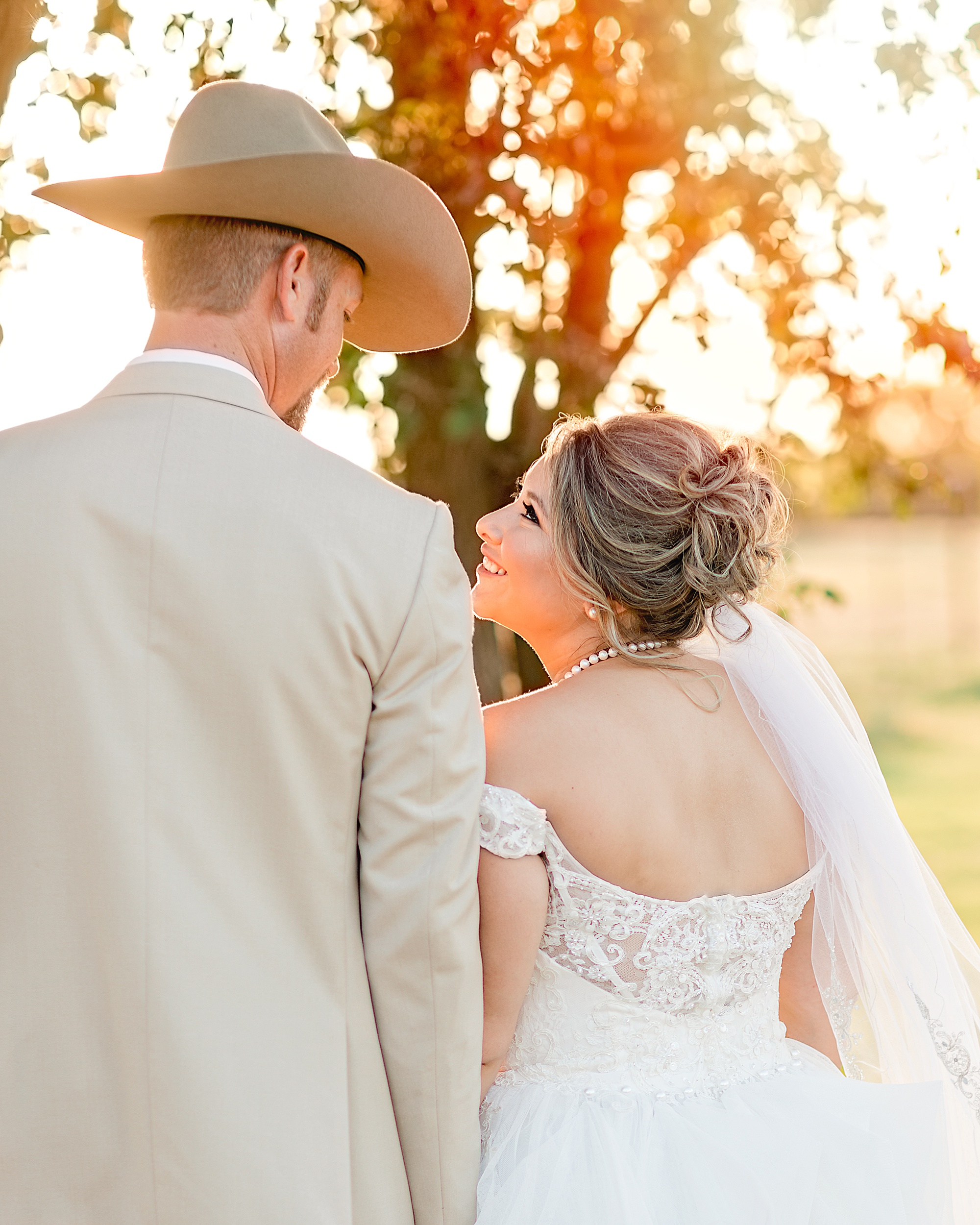 Wedding-Photographer-Rustic-Sunflower-theme-Texas-Carly-Barton-Photography_0120.jpg