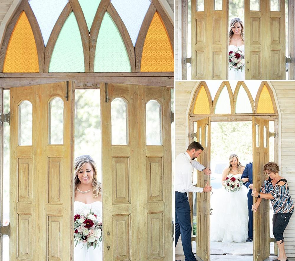 Navy-Burgundy-Texas-Wedding-Gruene-Estate-New-Braunfels-Carly-Barton-Photography_0037.jpg