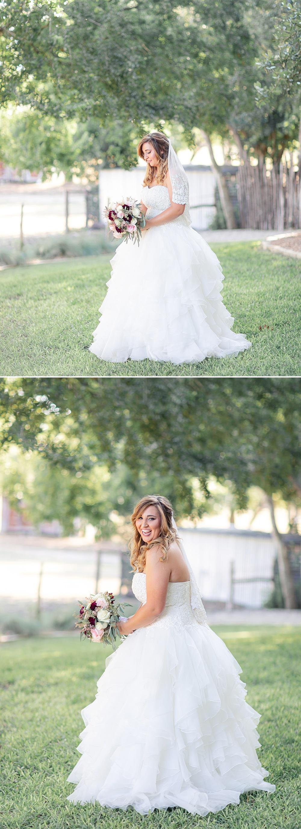 Navy-Burgundy-Texas-Wedding-Gruene-Estate-New-Braunfels-Carly-Barton-Photography_0038.jpg