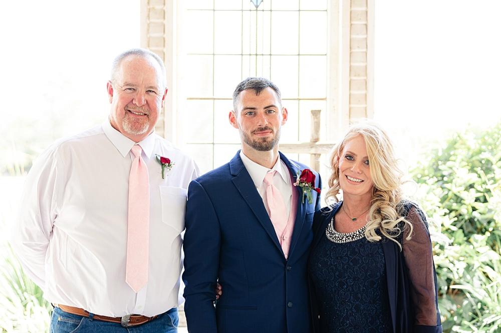 Navy-Burgundy-Texas-Wedding-Gruene-Estate-New-Braunfels-Carly-Barton-Photography_0082.jpg