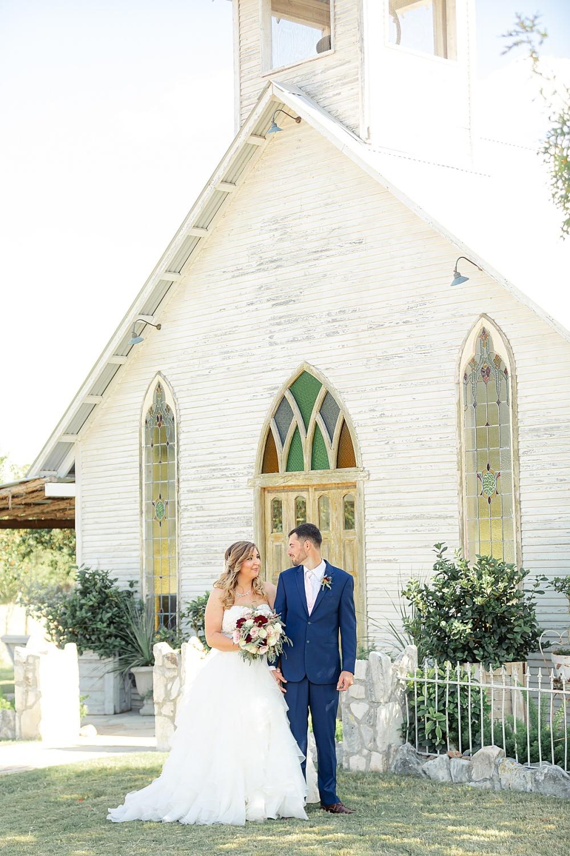 Navy-Burgundy-Texas-Wedding-Gruene-Estate-New-Braunfels-Carly-Barton-Photography_0084.jpg
