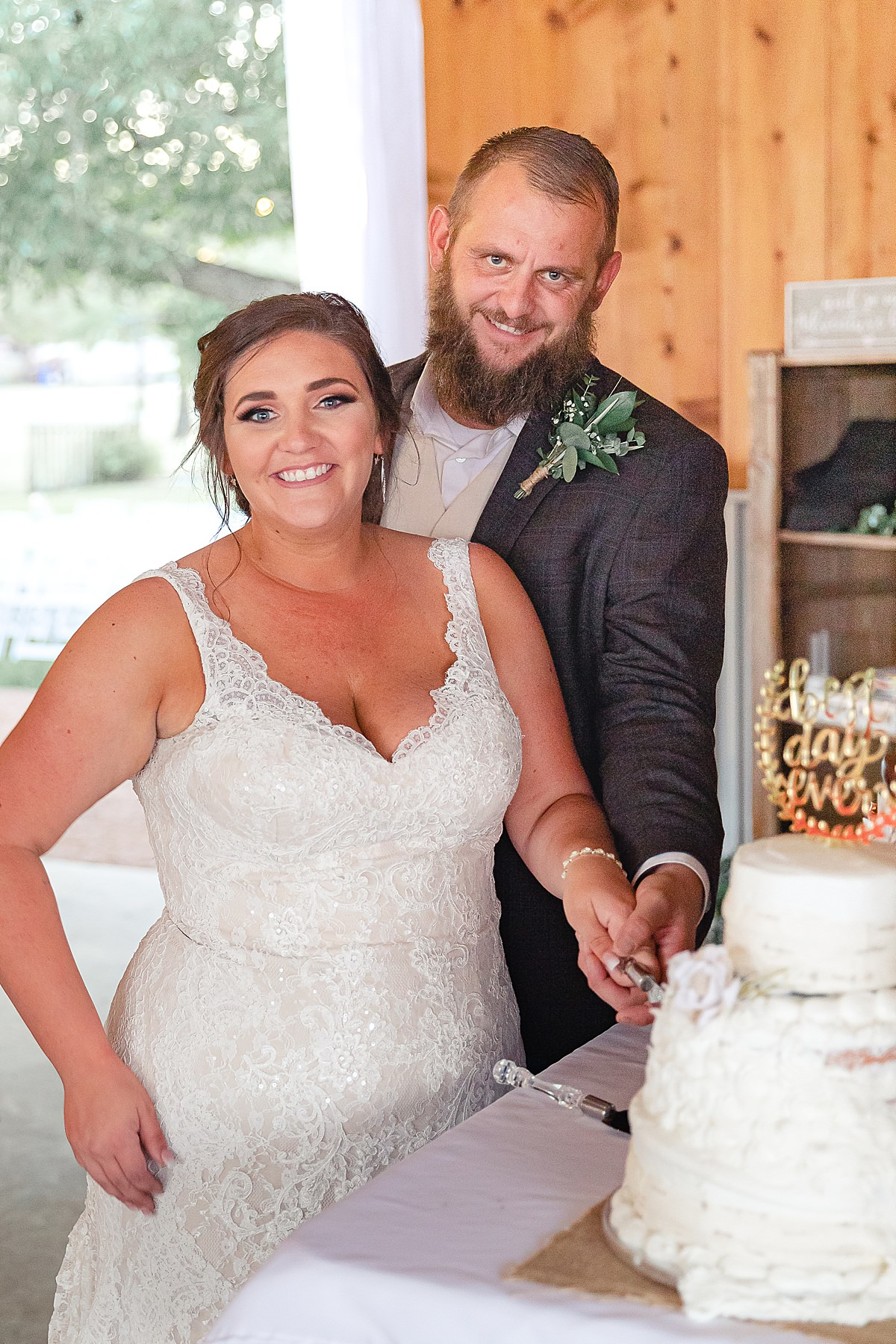 Rustic-Texas-Wedding-Hollow-Creek-Ranch-Carly-Barton-Photography_0061.jpg