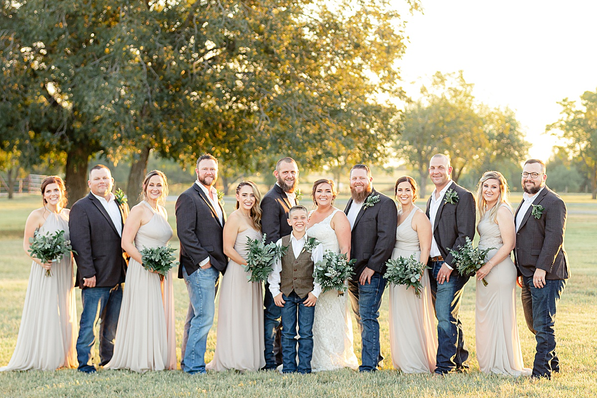 Rustic-Texas-Wedding-Hollow-Creek-Ranch-Carly-Barton-Photography_0076.jpg