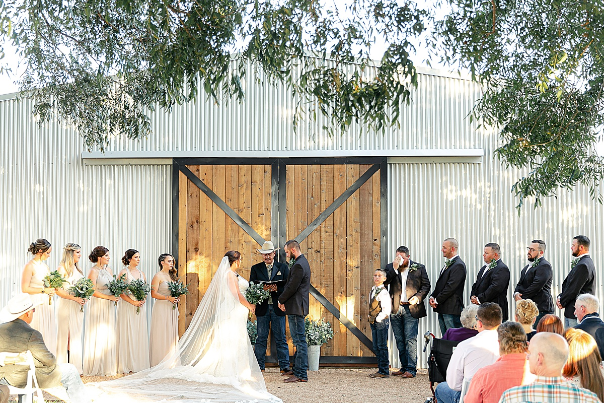 Rustic-Texas-Wedding-Hollow-Creek-Ranch-Carly-Barton-Photography_0078.jpg