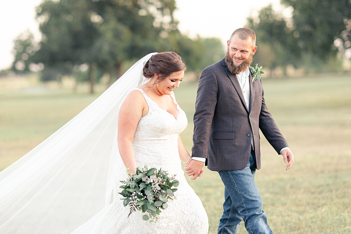 Rustic-Texas-Wedding-Hollow-Creek-Ranch-Carly-Barton-Photography_0088.jpg
