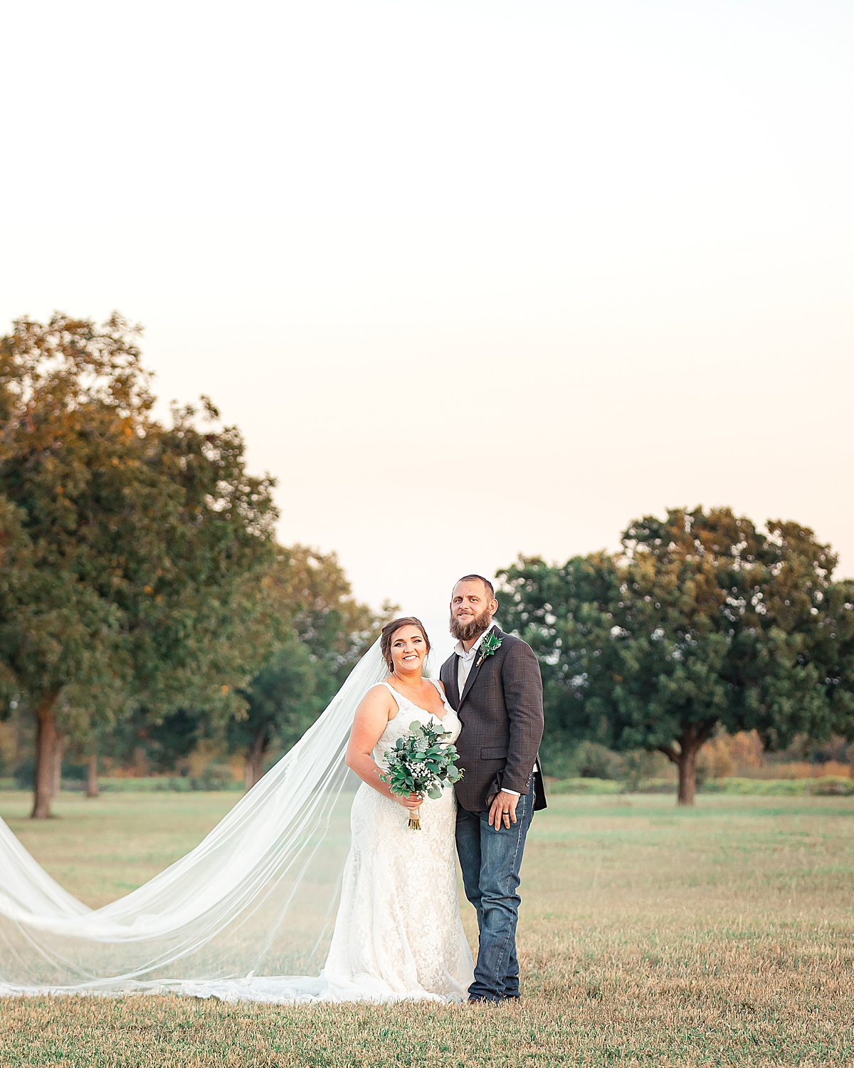 Rustic-Texas-Wedding-Hollow-Creek-Ranch-Carly-Barton-Photography_0096.jpg