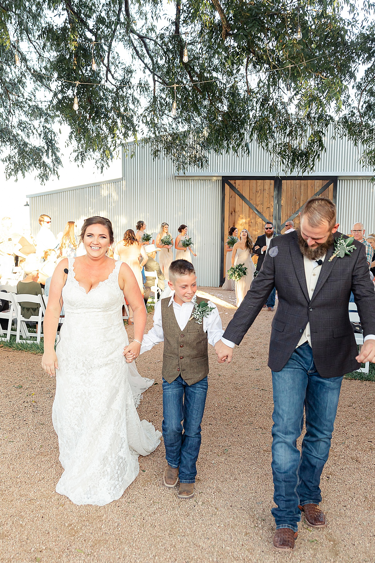 Rustic-Texas-Wedding-Hollow-Creek-Ranch-Carly-Barton-Photography_0129.jpg