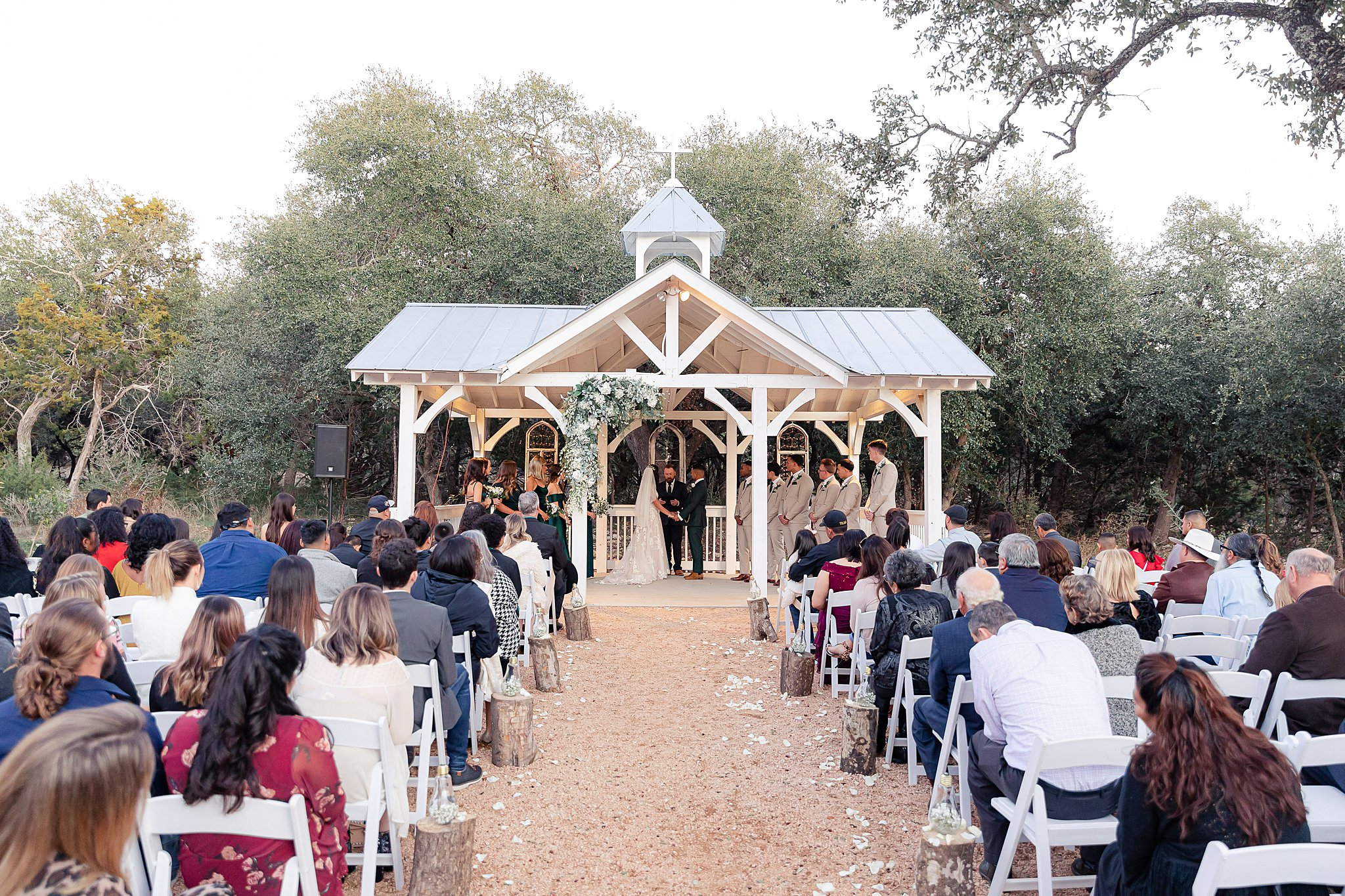 Carly-Barton-Photography-Texas-Wedding-Photographer-Western-Sky-Wedding-Event-Venue-Emerald-Green-Theme_0022.jpg