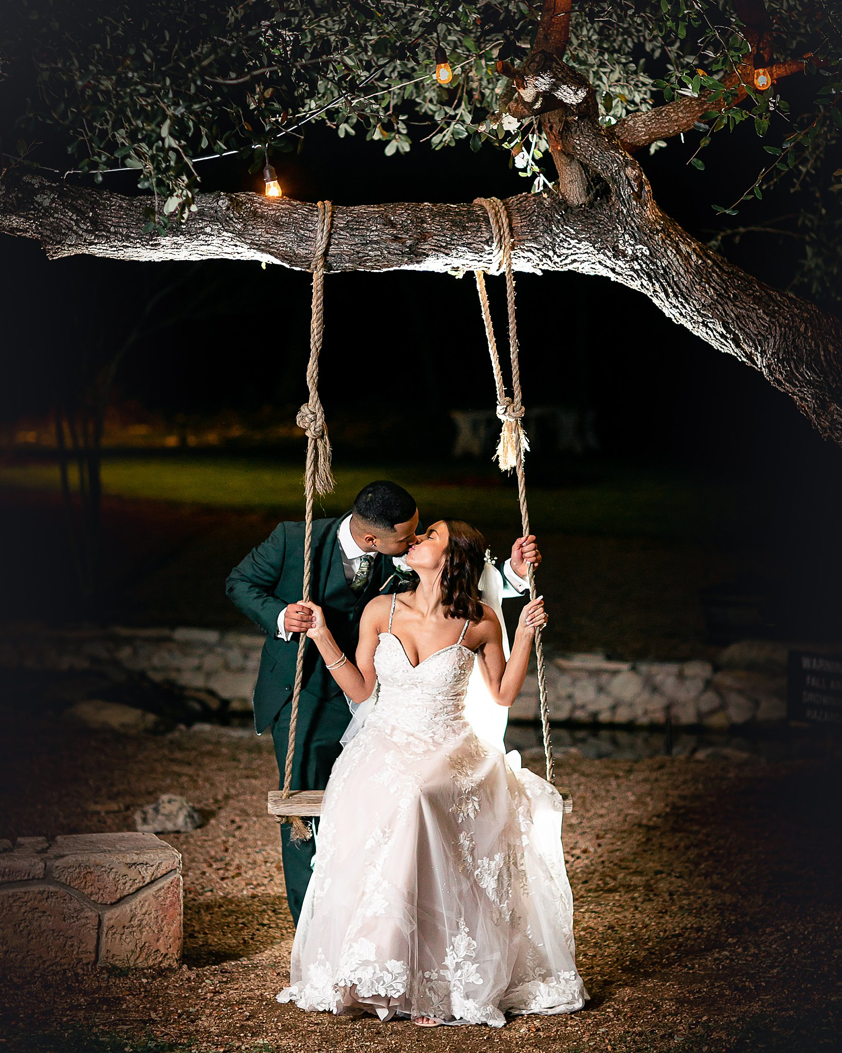 Carly-Barton-Photography-Texas-Wedding-Photographer-Western-Sky-Wedding-Event-Venue-Emerald-Green-Theme_0090.jpg