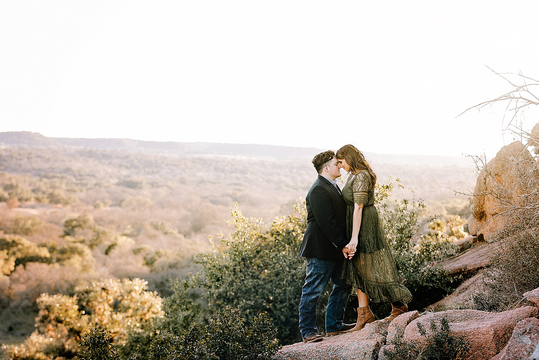 Carly-Barton-Photography-Fredericksburg-Texas-Engagement-Session-Enchanted-Rock-Photos_0001.jpg