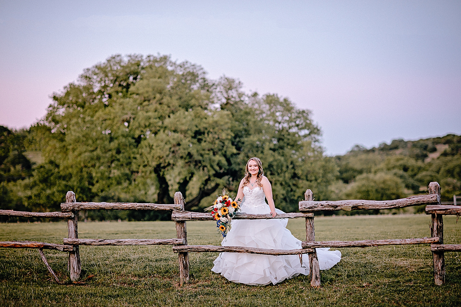 Carly-Barton-Photography-Texas-Bridals-Boerne-Rustic-Wedding-Photos_0010.jpg