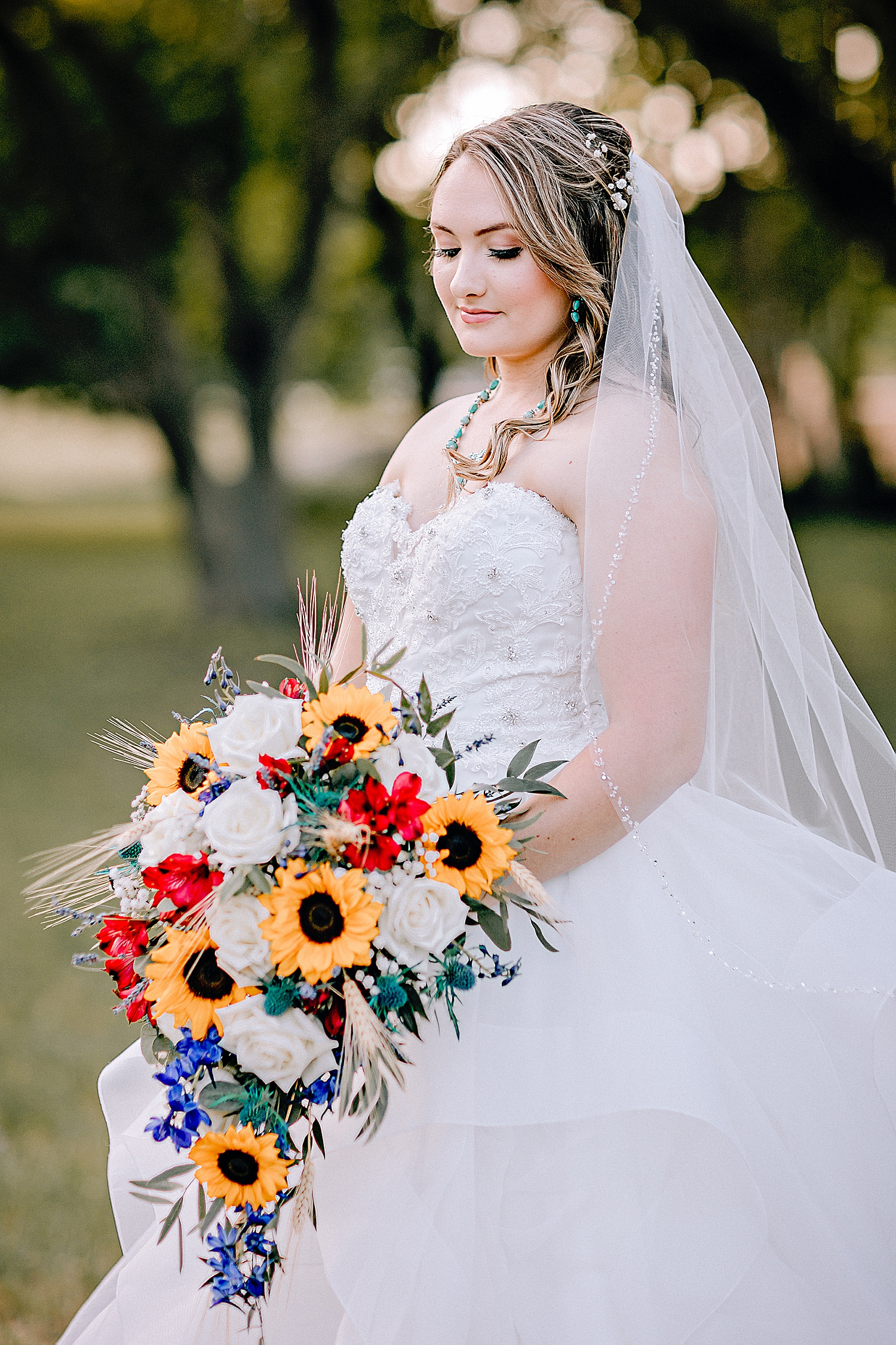 Carly-Barton-Photography-Texas-Bridals-Boerne-Rustic-Wedding-Photos_0015.jpg