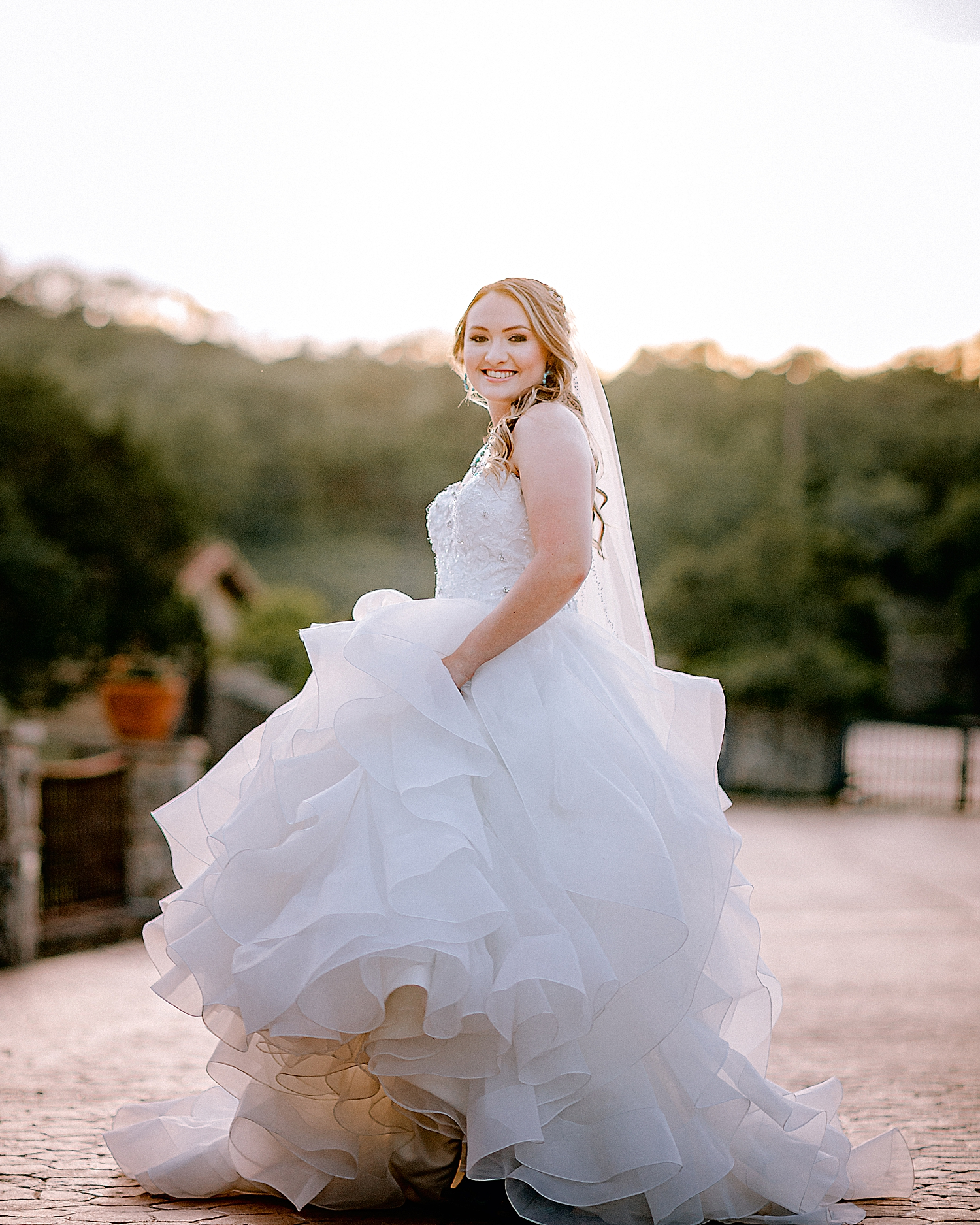 Carly-Barton-Photography-Texas-Bridals-Boerne-Rustic-Wedding-Photos_0016.jpg