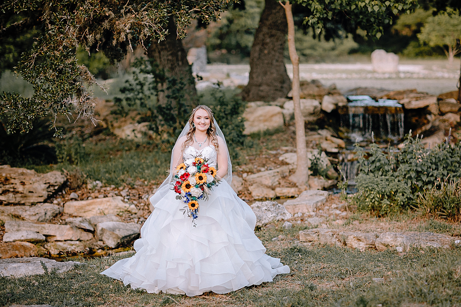 Carly-Barton-Photography-Texas-Bridals-Boerne-Rustic-Wedding-Photos_0020.jpg
