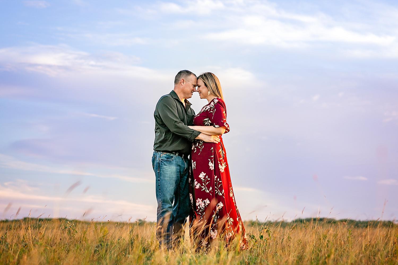 Carly-Barton-Photography-La-Vernia-Texas-Engagement-Photos-Sunset_0006.jpg