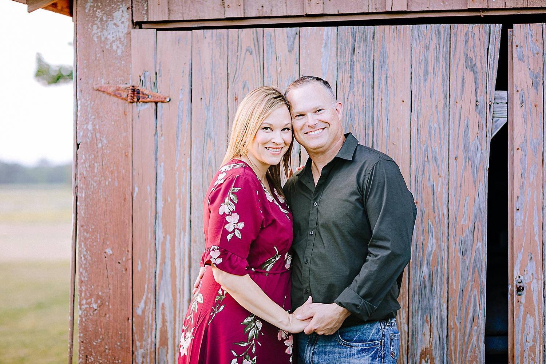 Carly-Barton-Photography-La-Vernia-Texas-Engagement-Photos-Sunset_0008.jpg