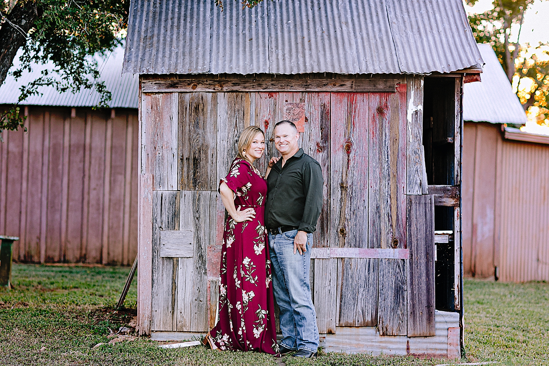 Carly-Barton-Photography-La-Vernia-Texas-Engagement-Photos-Sunset_0011.jpg