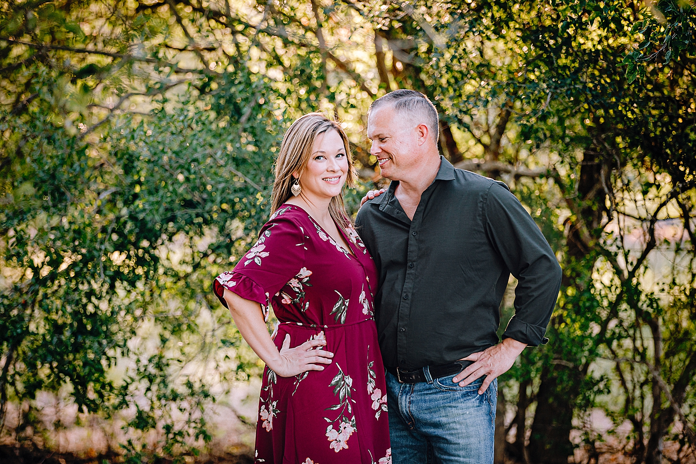 Carly-Barton-Photography-La-Vernia-Texas-Engagement-Photos-Sunset_0027.jpg