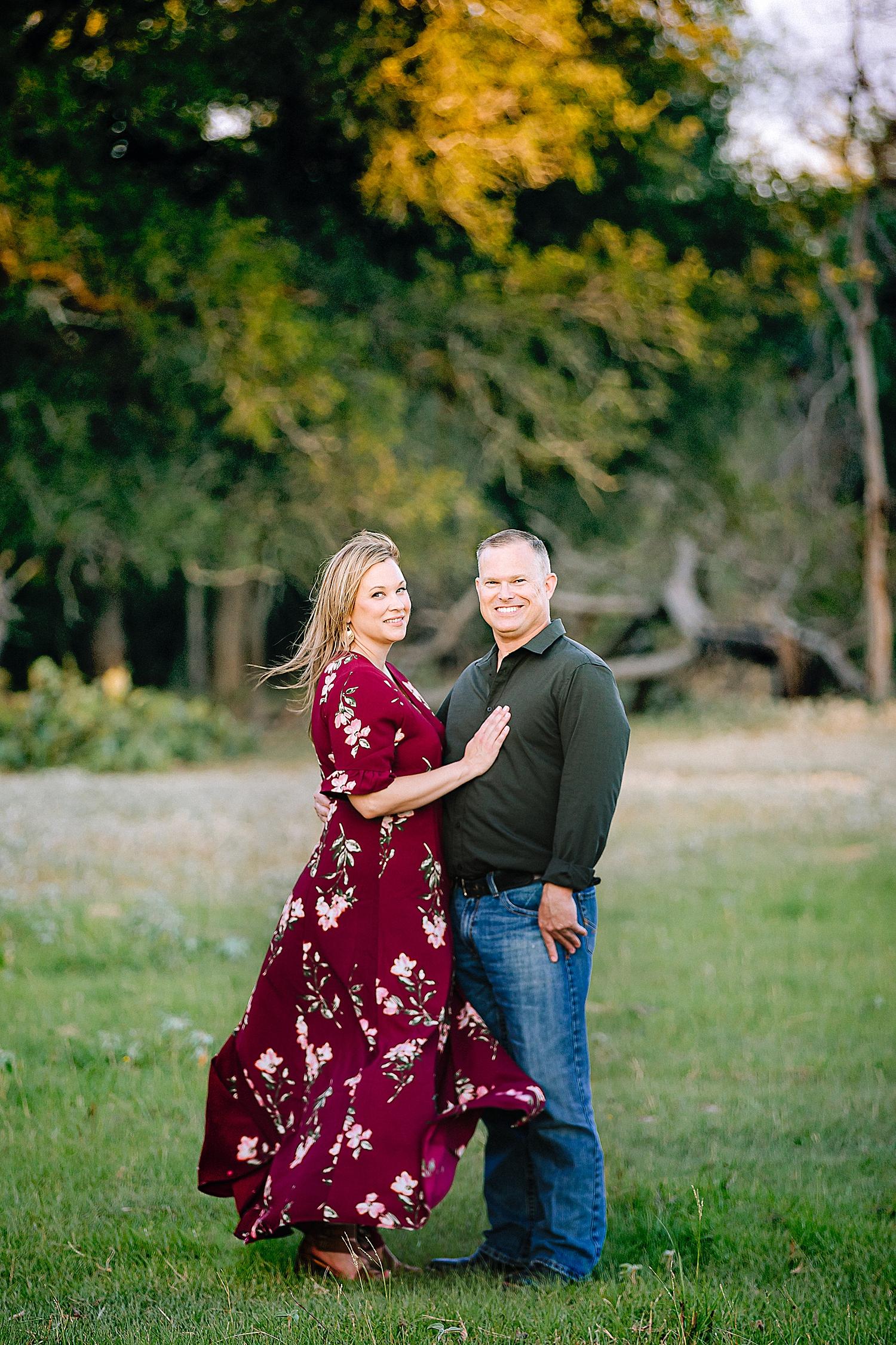 Carly-Barton-Photography-La-Vernia-Texas-Engagement-Photos-Sunset_0036.jpg