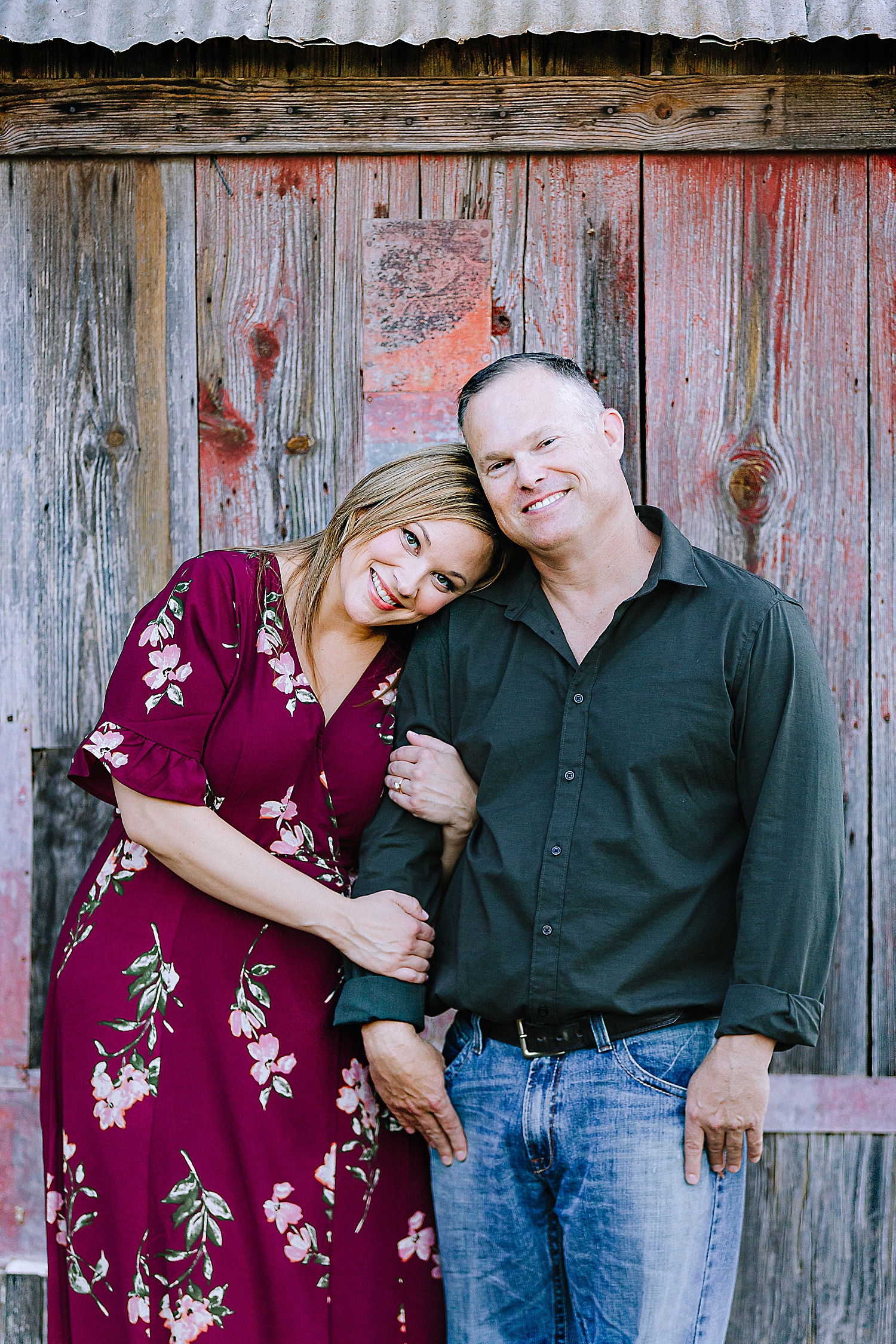 Carly-Barton-Photography-La-Vernia-Texas-Engagement-Photos-Sunset_0040.jpg