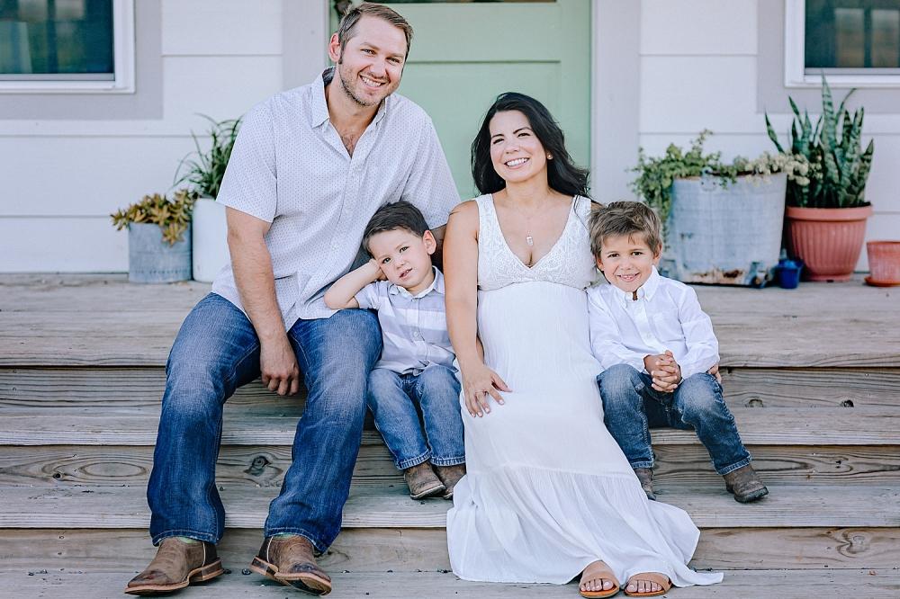Carly-Barton-Photography-Kenedy-Texas-Maternity-Photos-Sunset-Family_0002.jpg