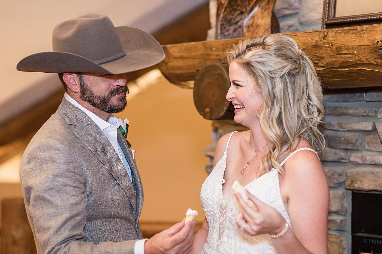 Carly-Barton-Photography-Rocky-Mountain-National-Park-Estes-Park-Wedding-Elopement_0008.jpg
