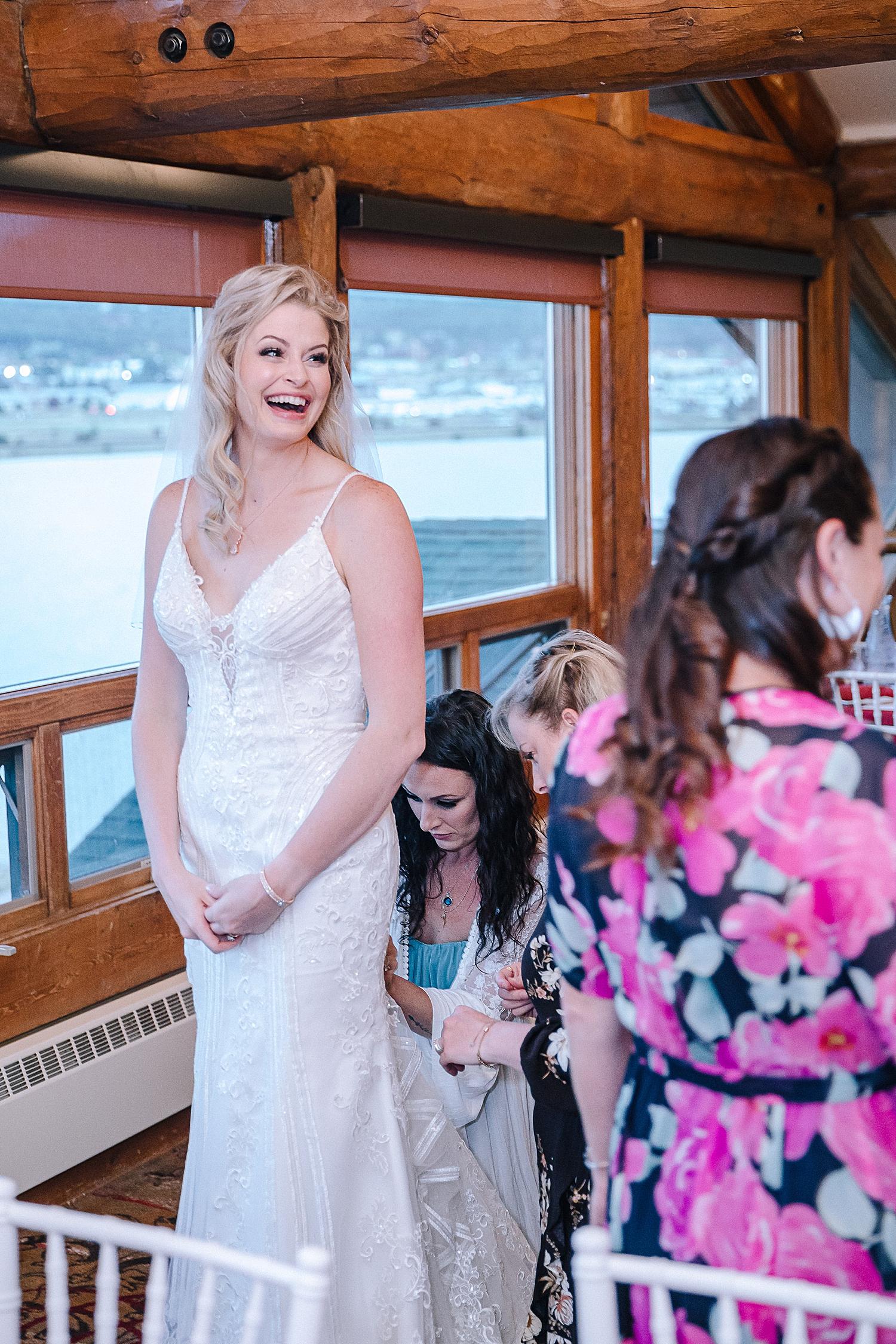 Carly-Barton-Photography-Rocky-Mountain-National-Park-Estes-Park-Wedding-Elopement_0012.jpg