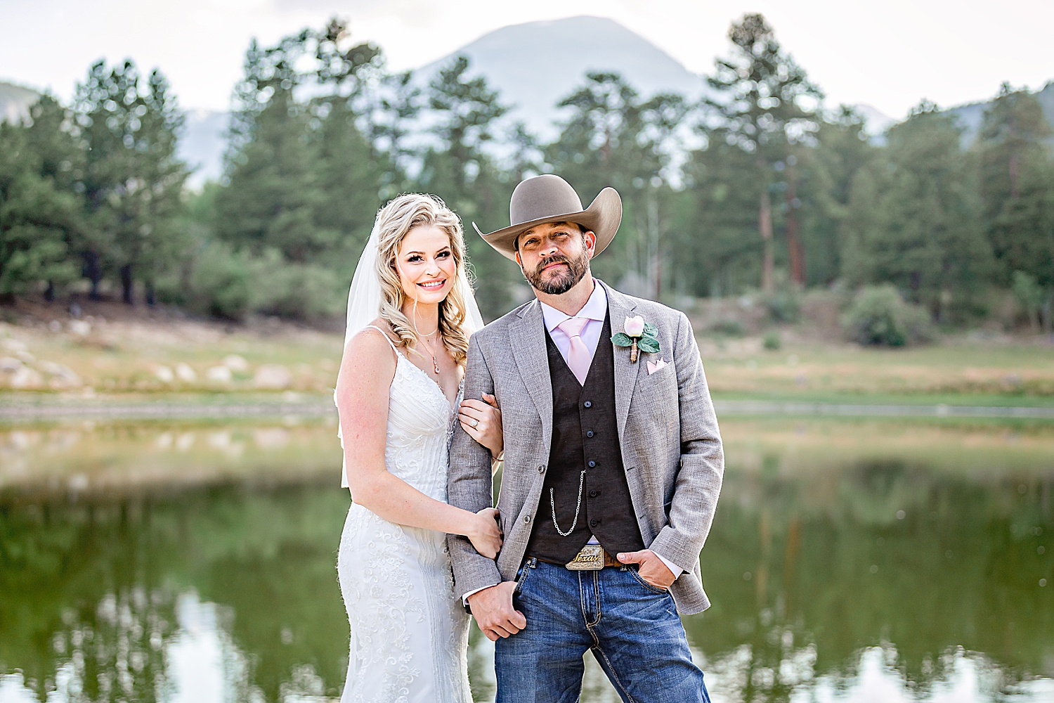 Carly-Barton-Photography-Rocky-Mountain-National-Park-Estes-Park-Wedding-Elopement_0018.jpg