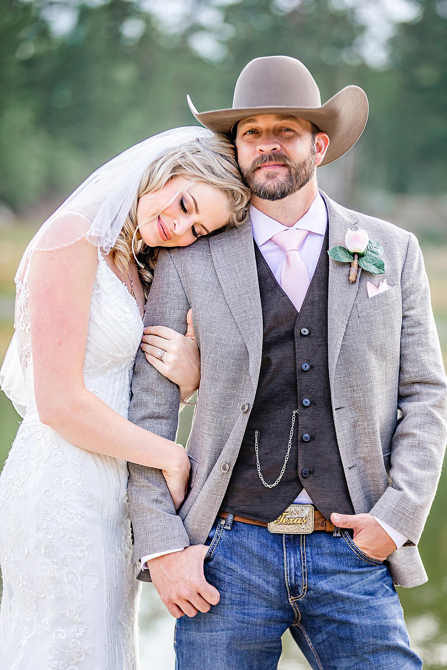 Carly-Barton-Photography-Rocky-Mountain-National-Park-Estes-Park-Wedding-Elopement_0019.jpg