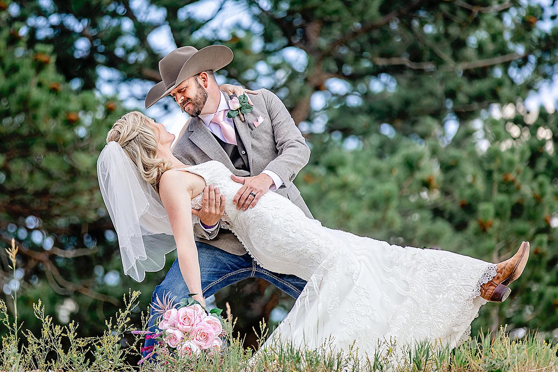 Carly-Barton-Photography-Rocky-Mountain-National-Park-Estes-Park-Wedding-Elopement_0022.jpg
