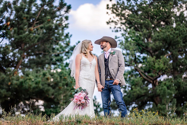 Carly-Barton-Photography-Rocky-Mountain-National-Park-Estes-Park-Wedding-Elopement_0024.jpg
