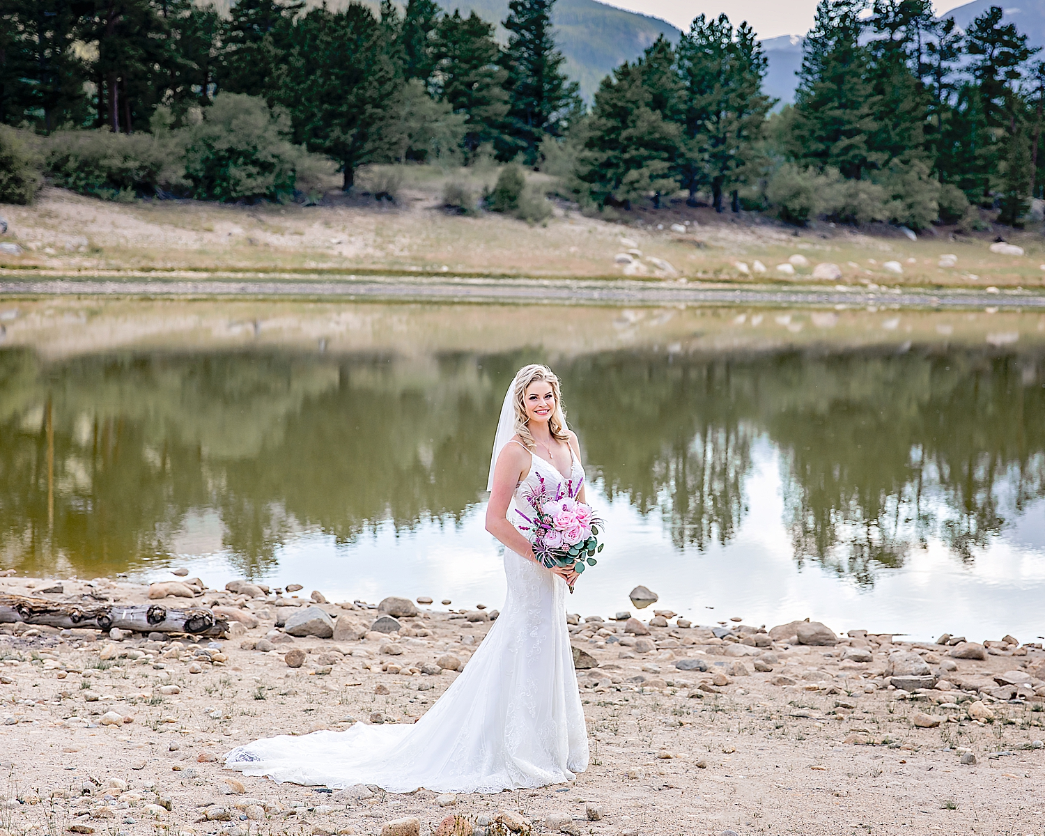 Carly-Barton-Photography-Rocky-Mountain-National-Park-Estes-Park-Wedding-Elopement_0028.jpg