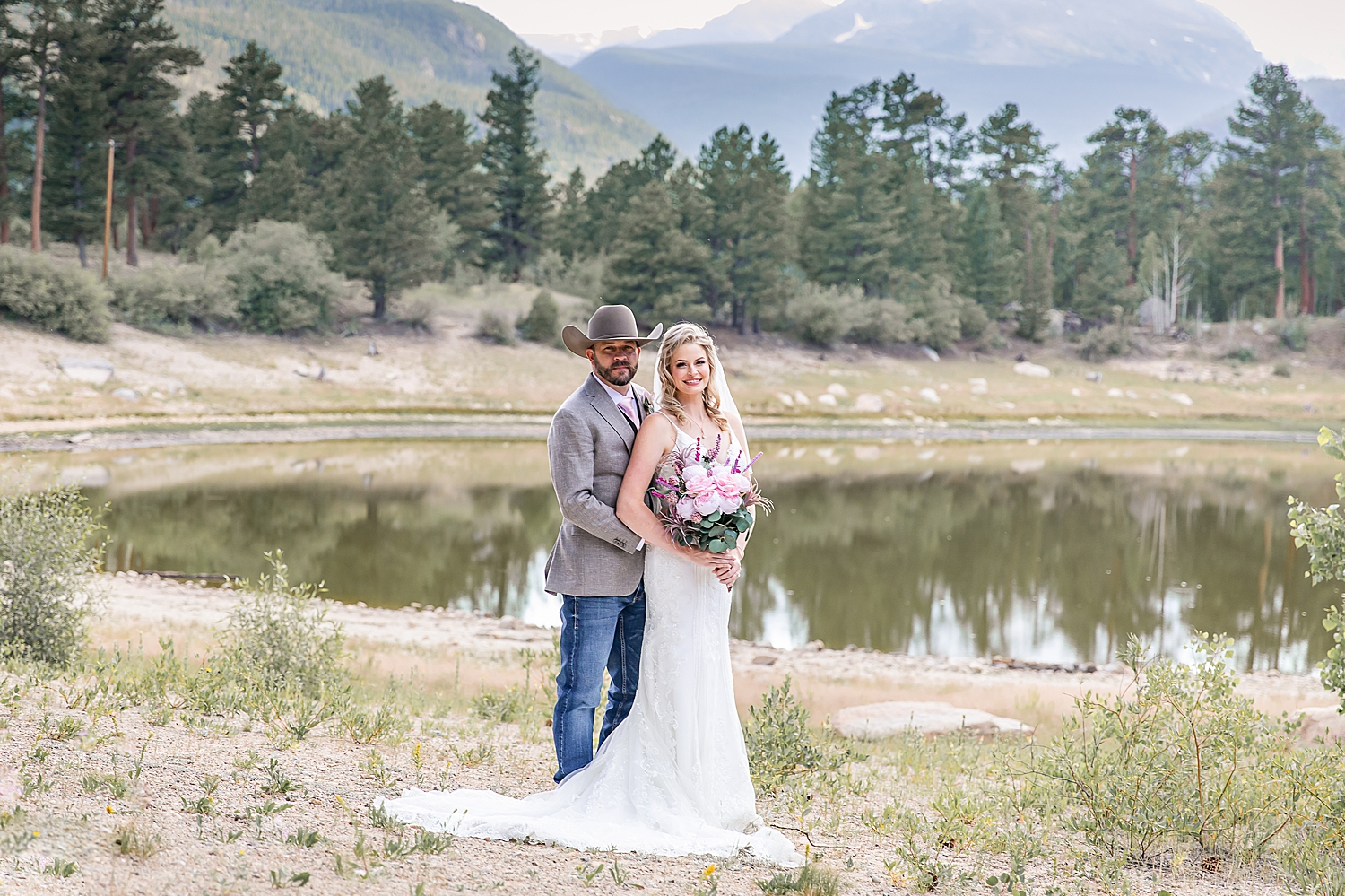 Carly-Barton-Photography-Rocky-Mountain-National-Park-Estes-Park-Wedding-Elopement_0031.jpg