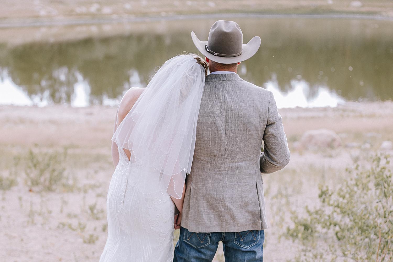 Carly-Barton-Photography-Rocky-Mountain-National-Park-Estes-Park-Wedding-Elopement_0042.jpg