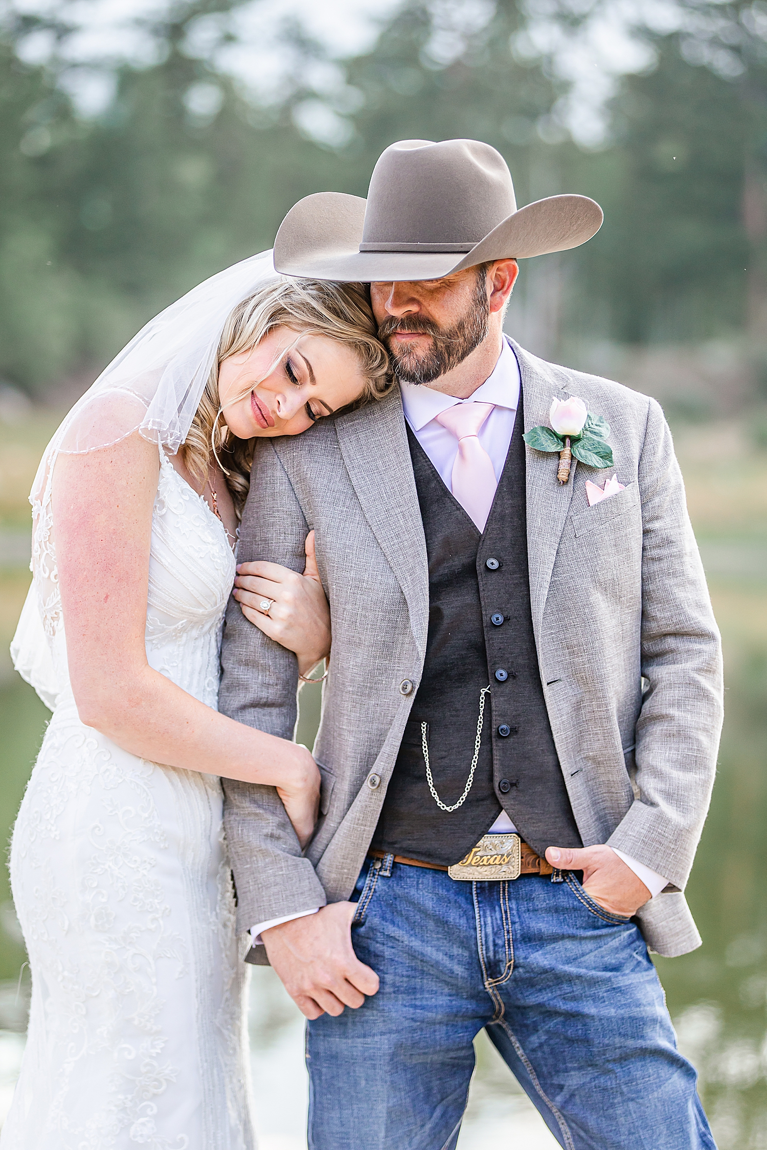 Carly-Barton-Photography-Rocky-Mountain-National-Park-Estes-Park-Wedding-Elopement_0043.jpg