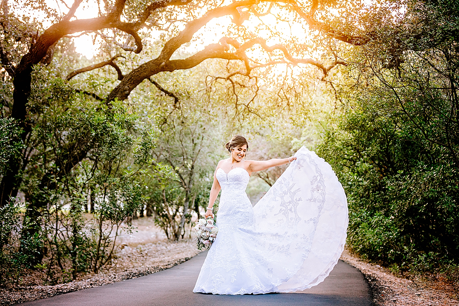 Carly-Barton-Photography-Bridal-Photos-Chadelier-of-Gruene-New-Braunfels-Wedding-Photographer_0020.jpg