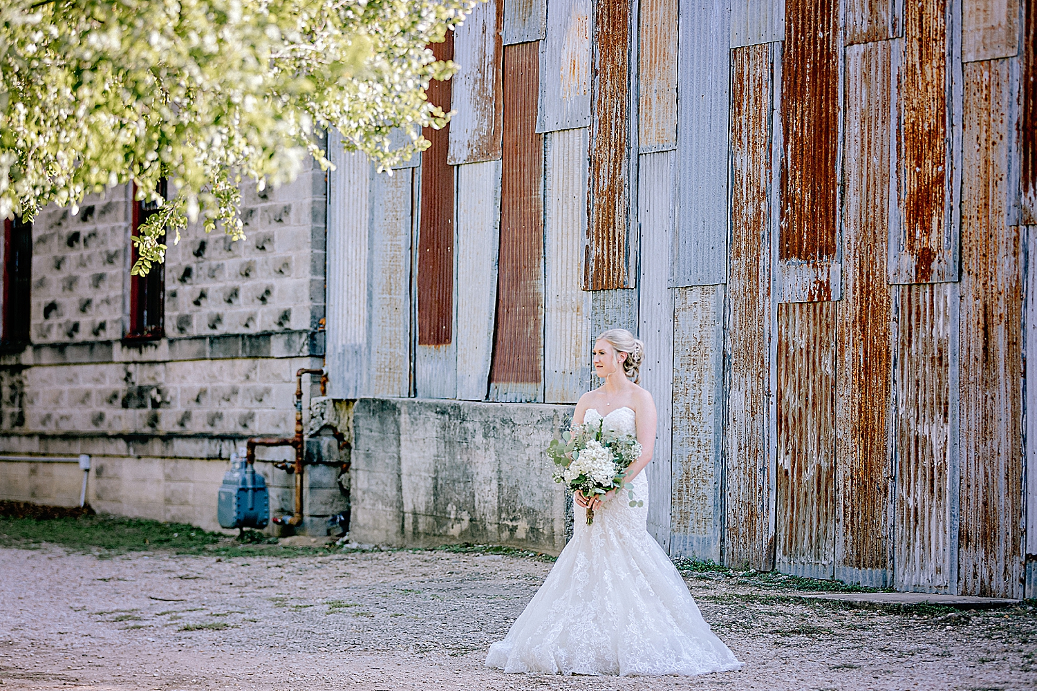 Carly-Barton-Photography-Bridal-Photos-Gruene-Rustic-New-Braunfels-Wedding-Photographer_0018.jpg