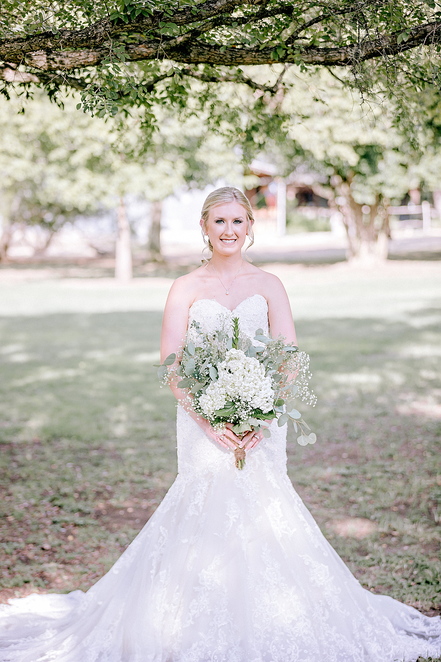 Carly-Barton-Photography-Bridal-Photos-Gruene-Rustic-New-Braunfels-Wedding-Photographer_0019.jpg