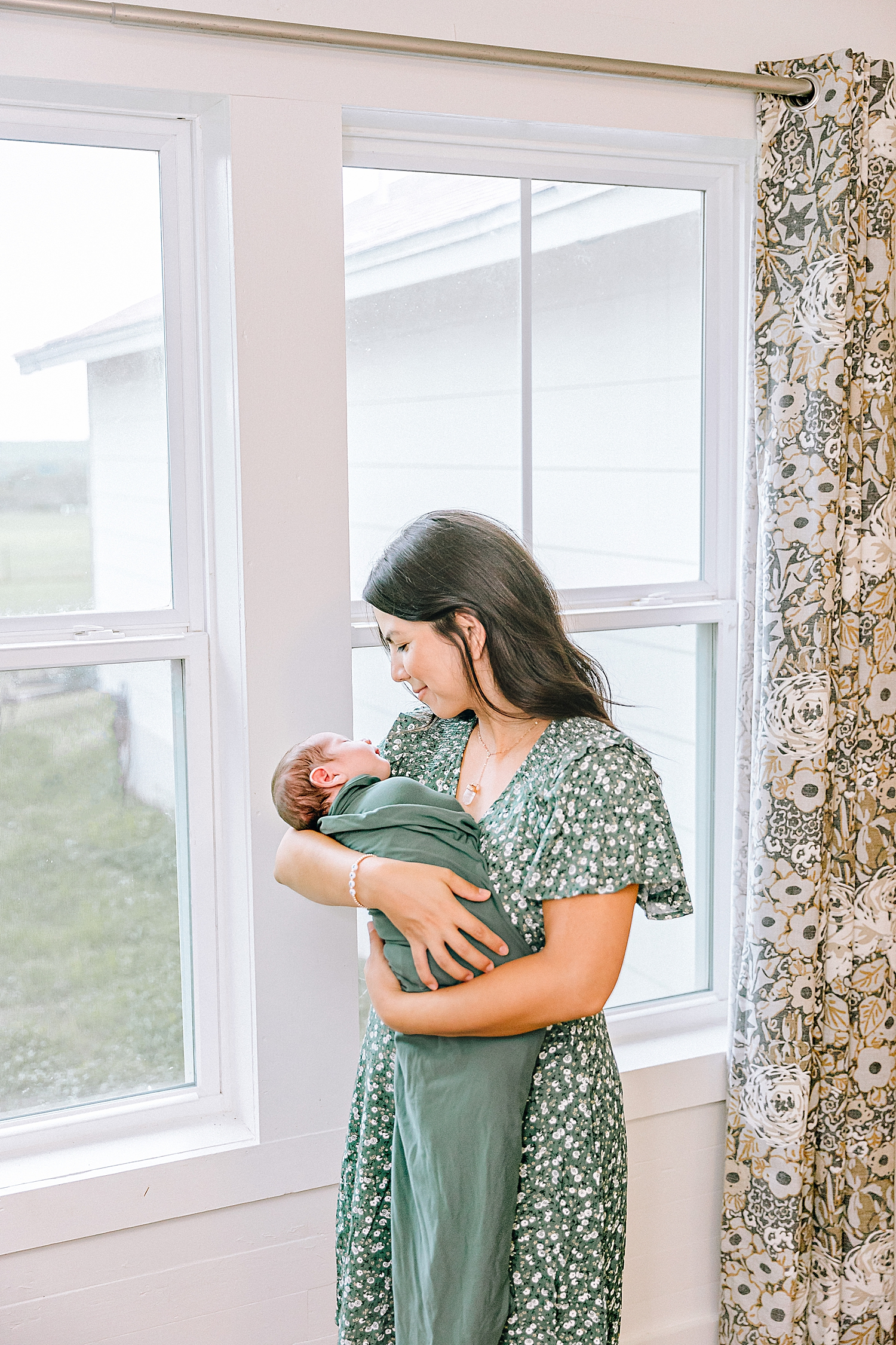Carly-Barton-Photography-Lifestyle-Newborn-Photographer-Brothers-Family-Photos-Texas_0009.jpg
