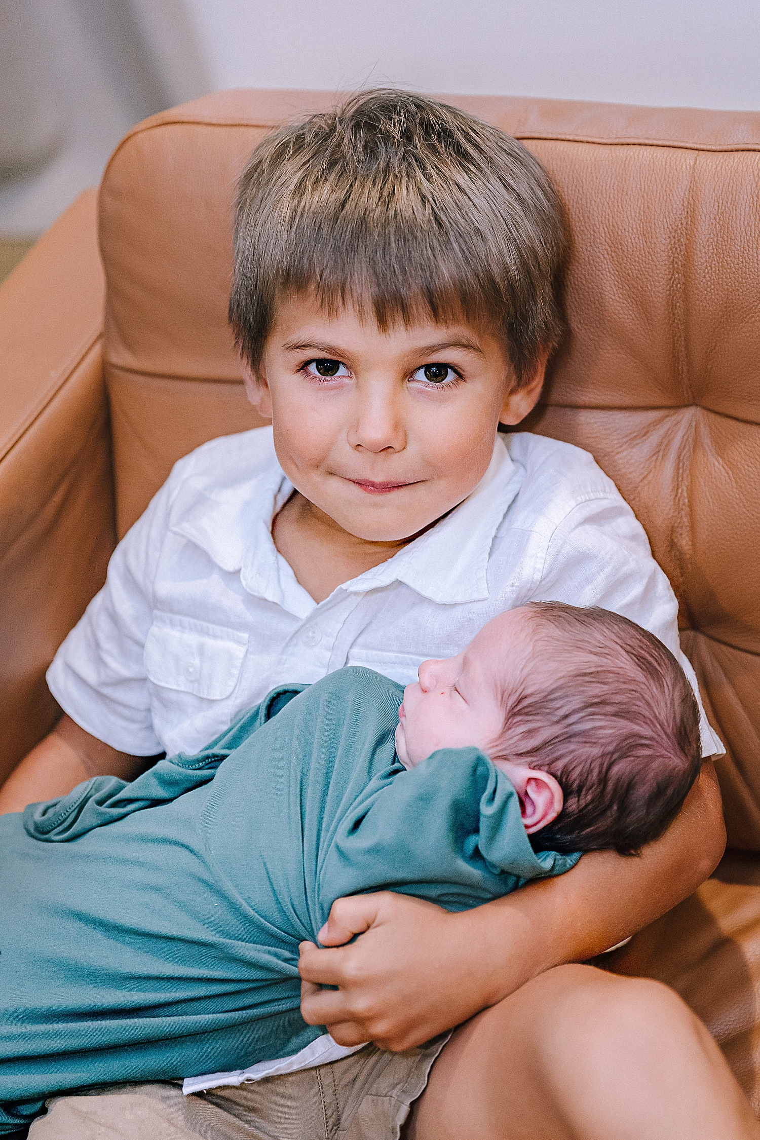Carly-Barton-Photography-Lifestyle-Newborn-Photographer-Brothers-Family-Photos-Texas_0014.jpg