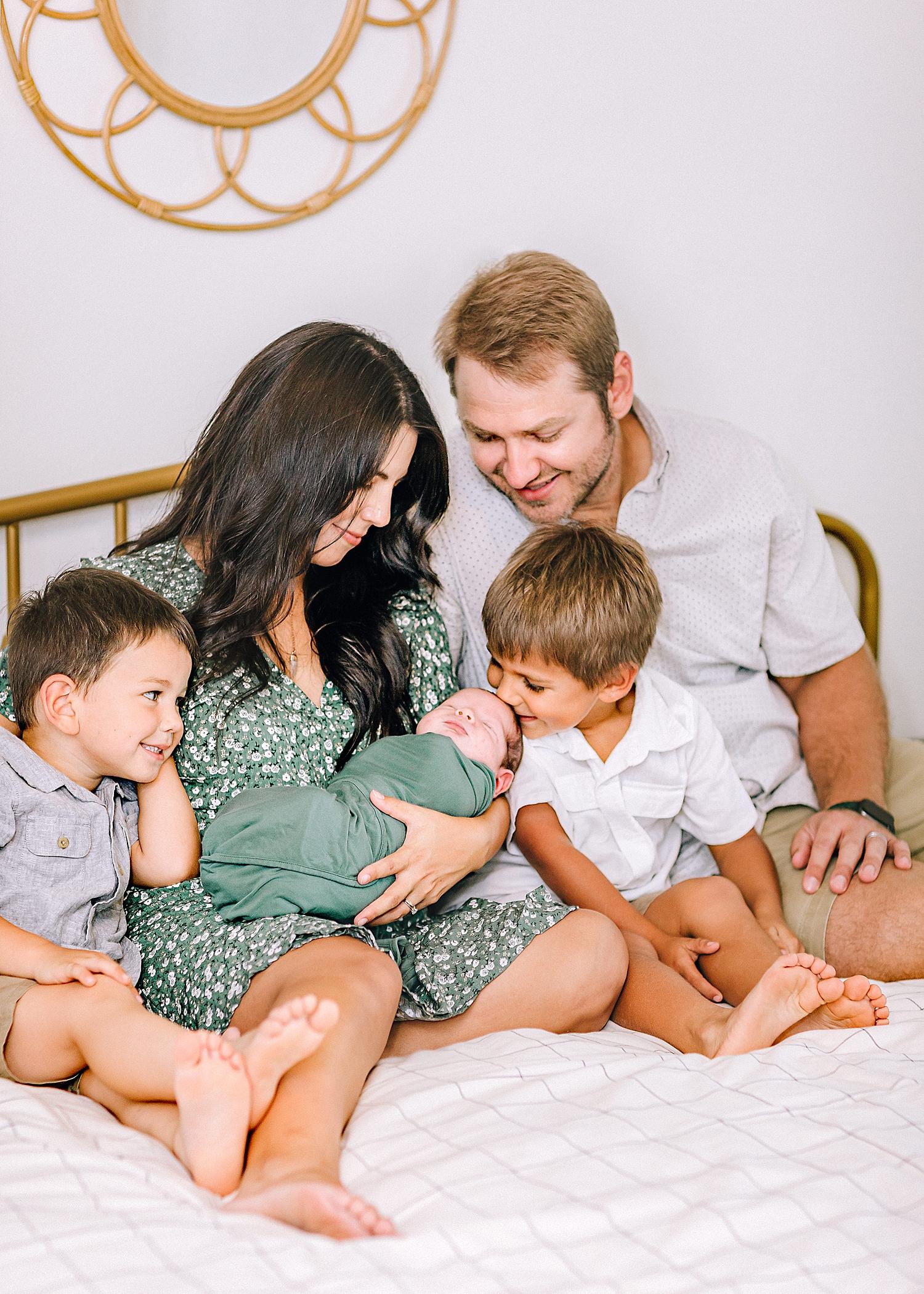 Carly-Barton-Photography-Lifestyle-Newborn-Photographer-Brothers-Family-Photos-Texas_0019.jpg